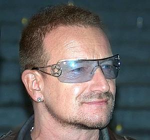 El cantante de  U2, Bono, operado
