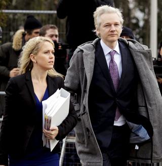 """Assange se niega a pasar por un """"juicio secreto"""" en Suecia"""