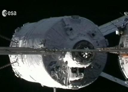 El carguero espacial ya está en la estación
