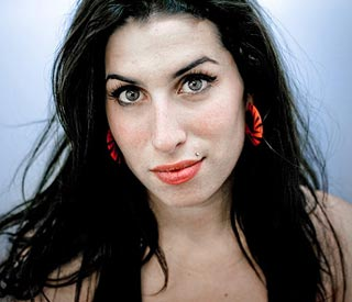 Amy Winehouse, hallada muerta